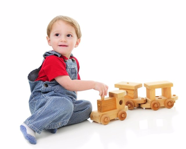 Los juegosy juguetes más recomendados para bebés de 1 año a 18 meses
