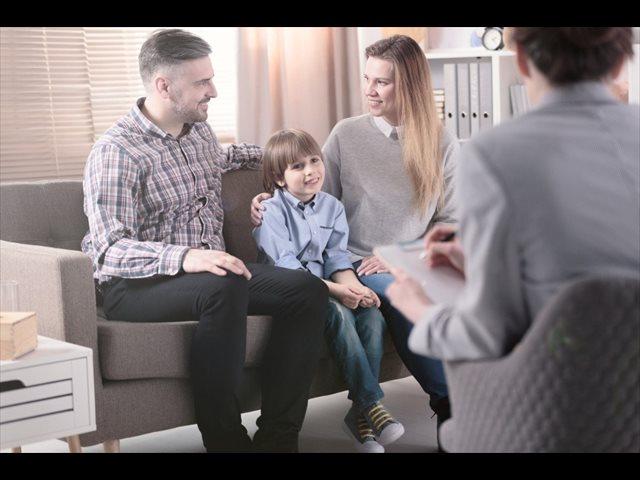 ¿Se cuida la relación entre la familia y el colegio?