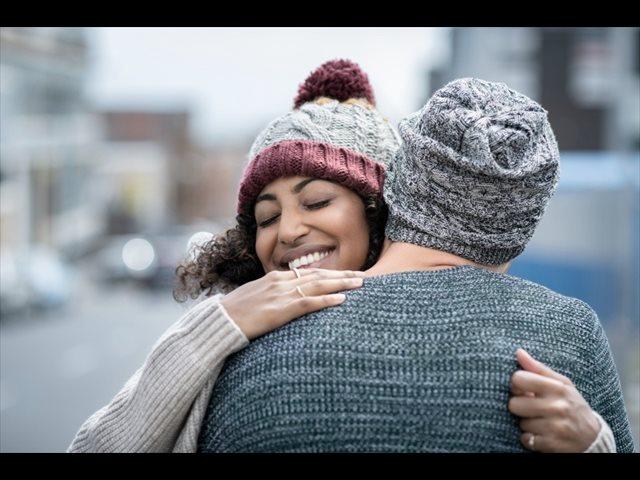 5 formas de sobrevivir sin abrazos en época de pandemia