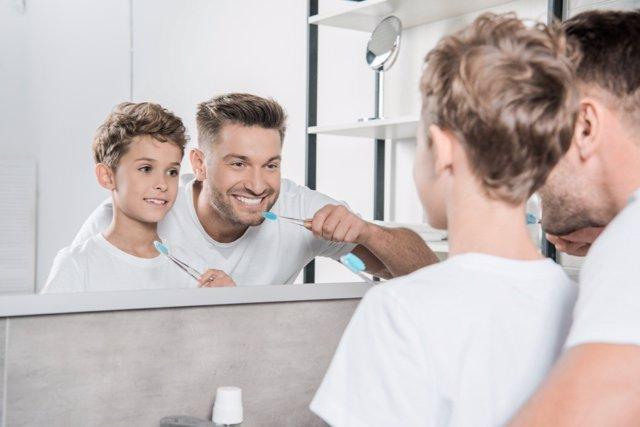 Cepíllate los dientes correctamente: 6 errores que solemos cometer