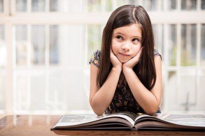 Llegó la edad del 'por qué', cómo satisfacer su curiosidad