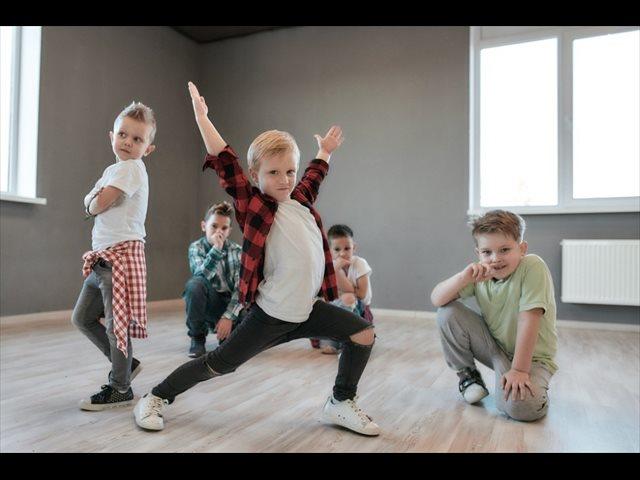 Actividades lúdicas de adultos adaptadas a los niños: música, cocina, ajedrez, matemáticas y ciencias
