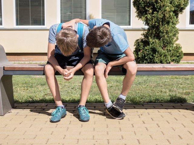 ¿Cómo Actuar Si Se Detecta Una Amistad Tóxica En El Grupo De Nuestros Hijos?