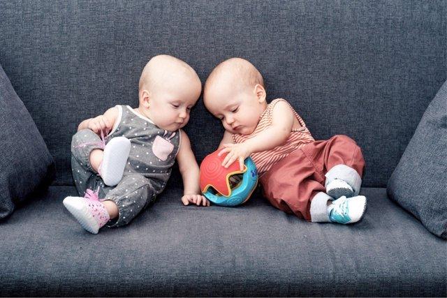 La permanencia de objeto ayuda a los más pequeños a darse cuenta de la existencia de su mundo, incluso cuando no lo perciben.