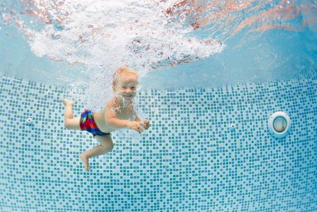 Archivo - Psicomotricidad en el agua para tu bebé