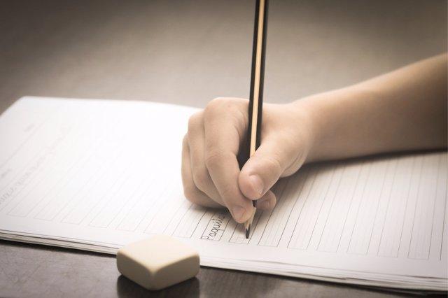 La caligrafía tiene grandes beneficios para el desarrollo de los niños.