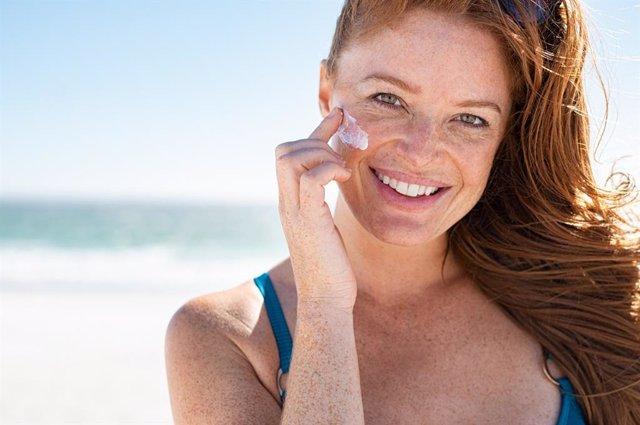Archivo - Cómo proteger tu piel sol si tienes lunares o pecas