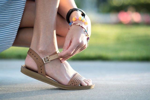 Las sandalias evitan hongos en los pies durante el verano