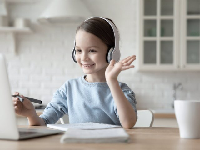 Los padres en España todavía deben mejorar mucho el conocimiento de internet y sus peligros.