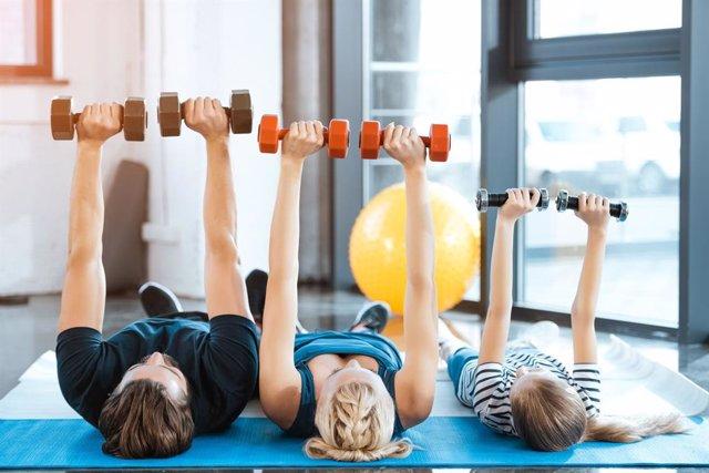 Archivo - Descubre los beneficios de entrenar en familia