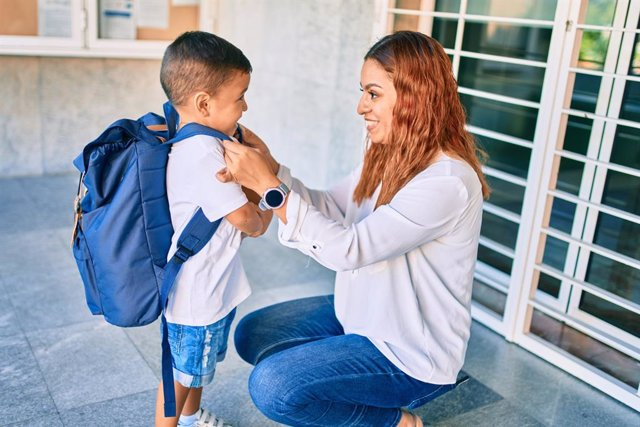 Archivo - Las familias están cambiando con rapidez, ¿cómo les influye a los niños en el colegio?