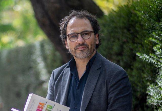 Entrevista al psicólogo Tomás Navarro